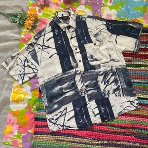 VINTAGE 90s WILD ABSTRACT BURN BUTTON UP size s
